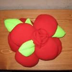 подушка в виде розы2