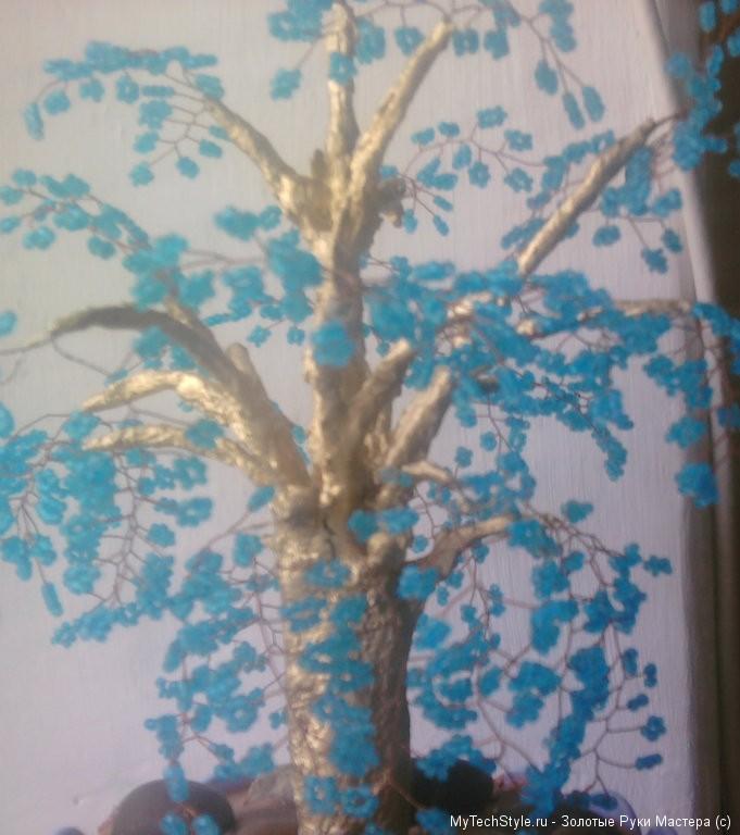 дерево из бисера крупно.